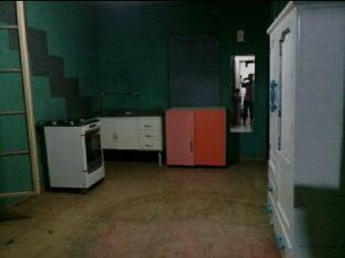 Alugo casa cômodos salões